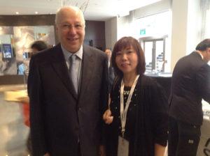 国際耳介療法学会で先導者としてポール・ノジェ博士と、国際フォーラムシンガポールで