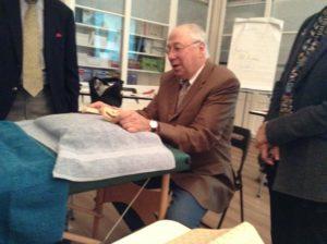 フランス、ドクターノジェの研究室にて耳介療法を教わる