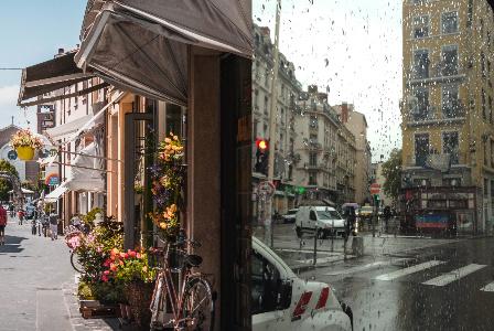 フランスの街並み、到着した日は雨でした